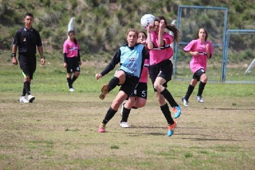 Futbol Femenino. Las Ranitas Pigüenses tras sendos triunfos pasaron a semifinales