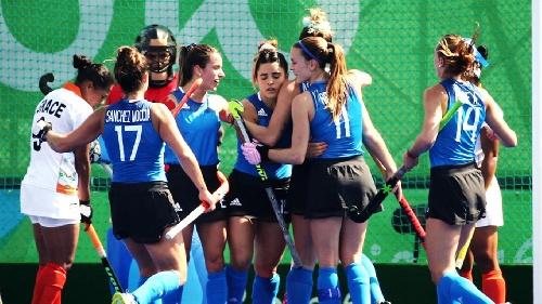 Río 2016 Hockey femenino olimpico: lluvia de goles en el triunfo de las Leonas para clasificar a cuartos de final
