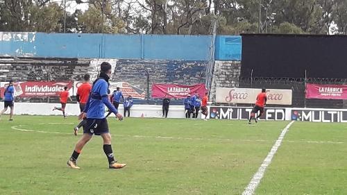 Almagro hizo prácticas de fútbol ante Brown de Adrogué - Victoria por uno a cero.