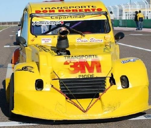 Fórmula 3 CV - Jorge González fue el dueño del domingo en el Autódromo CIudad de Pigüé.