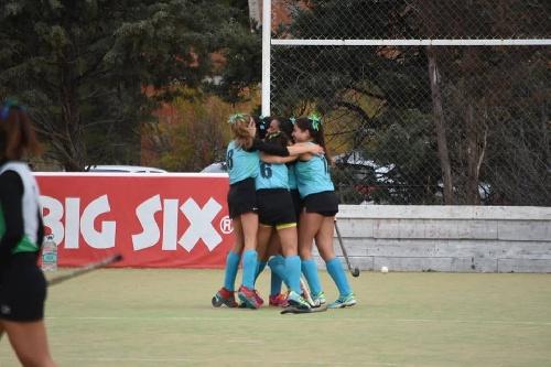 Hockey Femenino - El Sub 16 de la Federación está en semifinales.