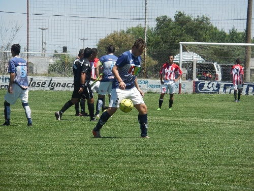 LRF - RESERVA - Deportivo Argentino rescató un empate en su visita a Carhué. Derrota de Unión ante Deportivo Sarmiento.