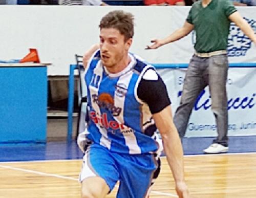 Basquet Chivilcoy - Di Pietro goleador del partido para un nuevo triunfo de Rácing .