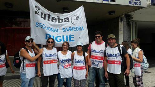 representantes del SUTEBA local y de la sexta presentes en la movilización por la huelga docente