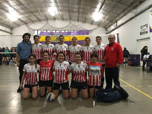 Voley Femenino - Positiva jornada de Unión Pigüé en Bahía Blanca.