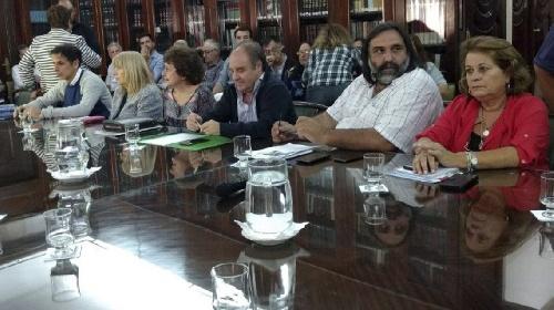 El Frente de Unidad Docente Bonaerense afirma que no negociarán pariraria 2019 si el Gobierno no les reconoce antes un 15,6 % mas por el año pasado