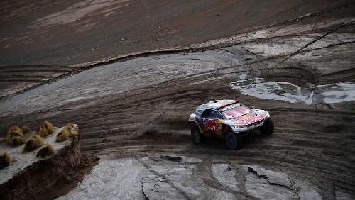 Mañana reanuda la prueba del Dakar. Hoy se suspendió por el alud en Salta.
