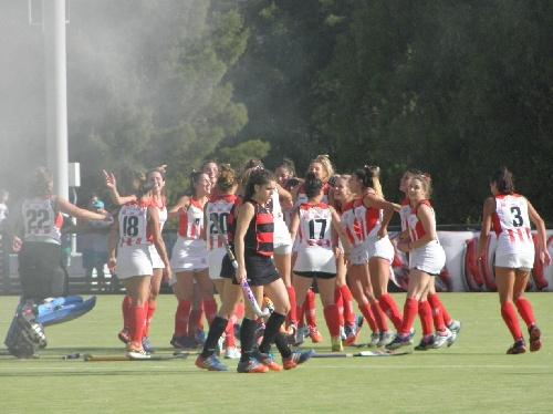 Hockey Bahiense Femenino - Atlético Monte Hermoso derrota a Uni A y retrasa la definición del campeonato.
