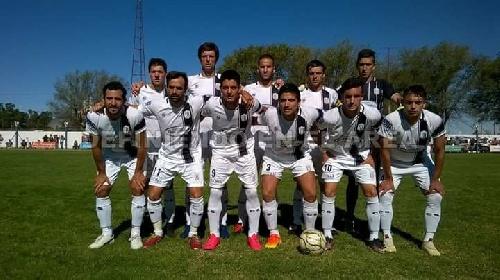 LRF - Sarmiento con tres goles de Blanco derrotó a Peñarol y es líder de la zona con puntaje ideal.