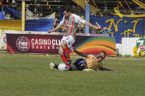 Federal B - Deportivo Sarmiento triunfó en Santa Rosa y se reencontró con la victoria.