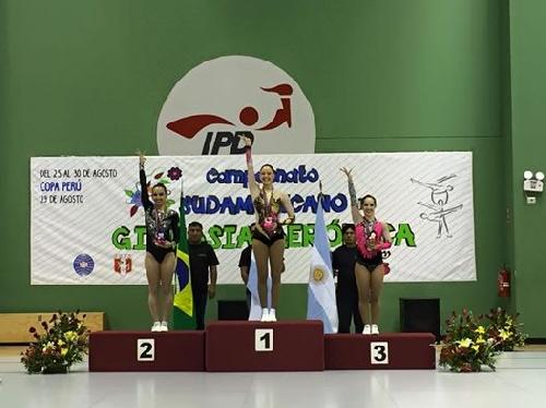 Triple podio, oro, plata y bronce de Sol Magdaleno en el Sudamericano de Perú