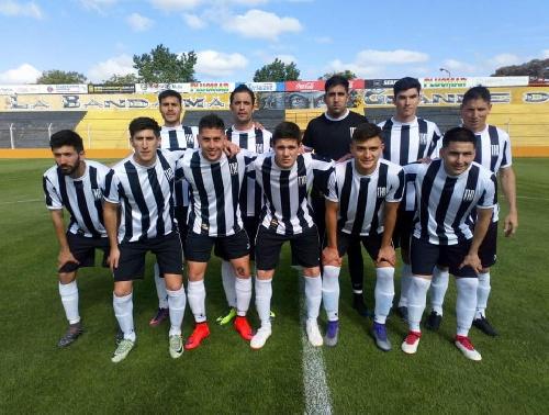 Liga del Sur - Liniers con Facundo Lagrimal quedó en lo mas alto de la tabla final.