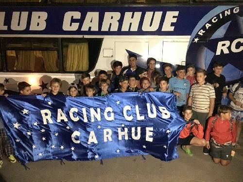 Futbol Infantil - En el Deportivo Roca dio comienzo el mundialito de clubes - Racing de Carhué con 4 chicos pigüenses participa del mismo.