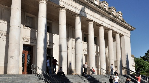 PARO DE 72 HORAS EN LA UNIVERSIDAD NACIONAL DEL SUR: siguen sin clases 2.500 alumnos