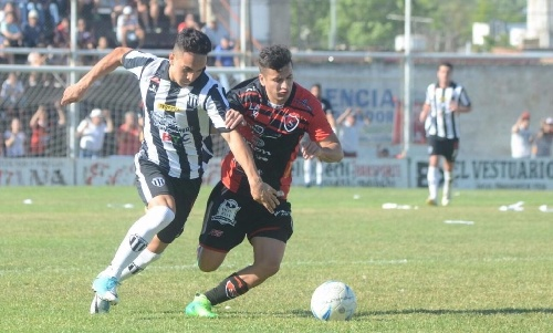 Liga del Sur - Liniers con Facundo Lagrimal cayó ante Sporting.