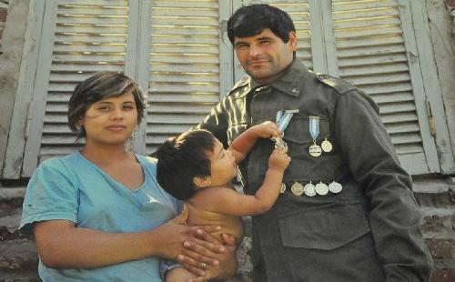 El soldado conscripto Oscar Poltronieri, el gran héroe de Malvinas que arriesgó su vida para salvar a 150 argentinos