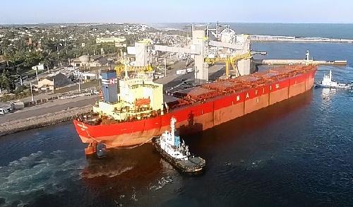 Puerto Quequén vuelve a operar durante las 24 horas del día