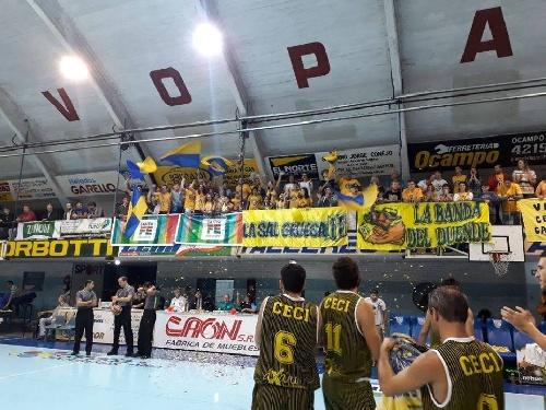 Basquet Santa Fe - Ceci BC cayó ante Sport Club y quedó fuera de competencia - 12 puntos para Denis Biscaychipy.
