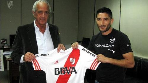 Milton Casco firmó con River y espera jugar con Boca: