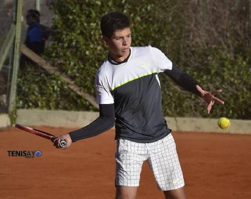 Tenis - General Roca - Gianfranco Germinara subcampeón en su categoría.