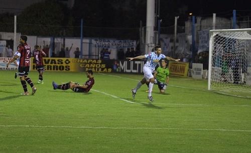 Nacional B - Goleada de Juventud Unida a Douglas Haig - Martín Prost ingresó en el 2° tiempo.