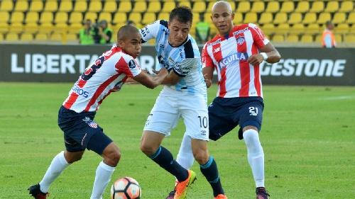 Copa Libertadores - Atlético Tucumán golea a Junior y clasifica en forma histórica - Leandro González ingresó en el 2° tiempo.