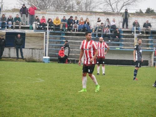 LRF - Sarmiento visitando a San Martín de Carhué dará comienzo al torneo de 1ra División.