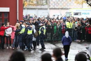 Ataque con sable en escuela de Suecia dejó 3 muertos y varios heridos