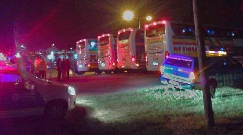 Tres choferes de colectivos de un viaje de egresados demorados por consumo de  cocaína