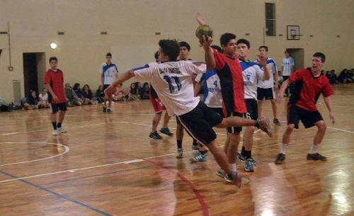 Handball - El seleccionado juvenil de la Asociación participa en Chapadmalal del Argentino de dicha especialidad.