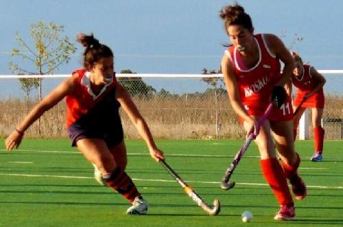Hockey Femenino - Victoria del Cef 83 ante Deportivo Sarmiento de Carhué. El elenco pigüense culmina la serie regular en la 2da posición.