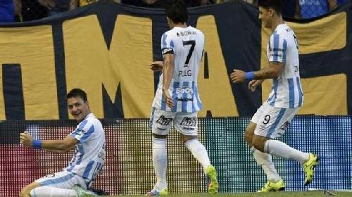 Primera División A - Con un gol del piguense Leo González, Atlético le ganó a Boca Juniors.