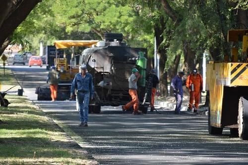 Continúan renovando asfalto en Pigüé