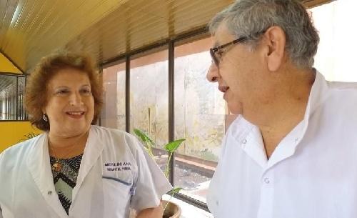 Ana María Merlini  32 años  de Médica en el Hospital Penna de Bahia, trabaja desde hace un año y medio ad honorem