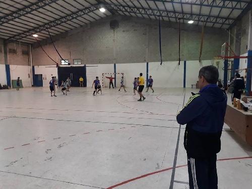 Handball en el Club Sarmiento en el día de mañana.