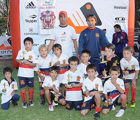 Deportivo Mc Allister resultó campeón del Mundialito organizado por Club Sarmiento.