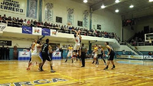 Basquet Federal - Norte de Armstrong derrotó a Belgrano y pone la serie dos a uno. Byscaychipi aportó dos puntos.