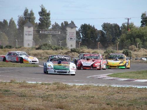 Categorías Zonales - El día viernes comienzan a rodar en el Autódromo de Viedma.