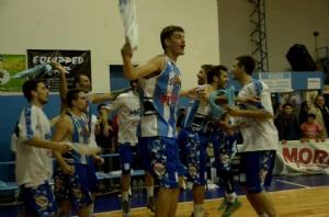 Basquet Provincial - Rácing de Chivilcoy derrotó a Unión de Mar del Plata - 8 puntos de Erbel Di Pietro.