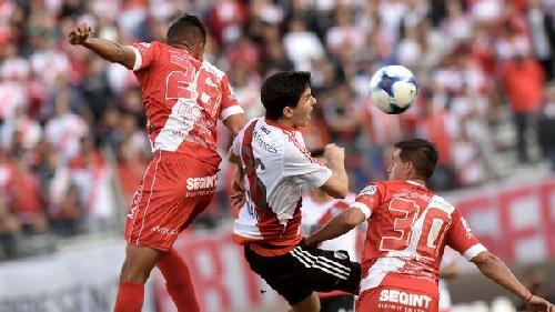 Superliga - River Plate empató con Argentinos y quedó como escolta de Boca.