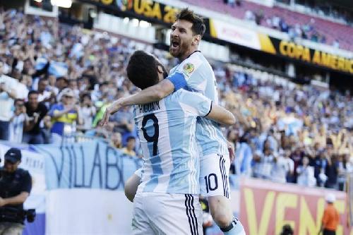 Copa América USA 2016 - Argentina goleó a Venezuela y avanza a Semifinales.