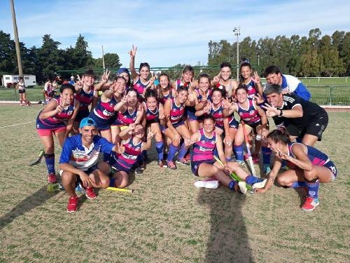 Hockey Femenino - Cef 83 derrotó al Club de Pelota y es el Campeón 2017
