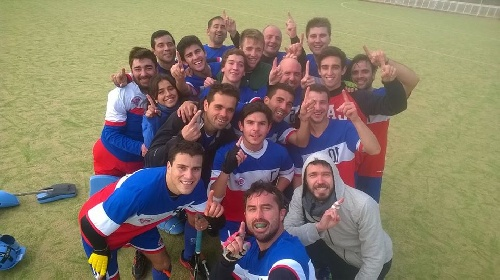 Hockey Masculino - Victoria del Cef 83 como local ante Universitario.