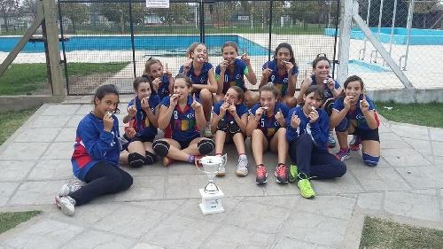 Handball Femenino Infantiles - El Cef 83 gritó campeón en Chivilcoy.