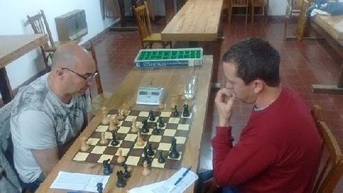 Ajedrez - Empate entre Bernardini y Dellapittima en la primer final.