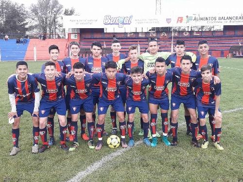 LRF - Inferiores - Tarde de clasificación para la 5ta división de Peñarol.