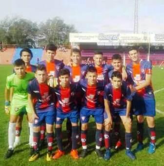 LRF - Inferiores - Peñarol ganó todos su partidos y es líder en 6ta y 8va,