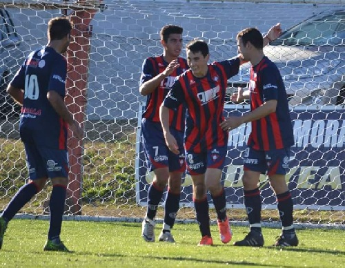 LRF . Victoria de Peñarol en Puán alcanzando el 3° puesto en su grupo. Tres partidos de la Zona A postergados.