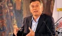 Macri promete que el mercado fijará el valor del dolar