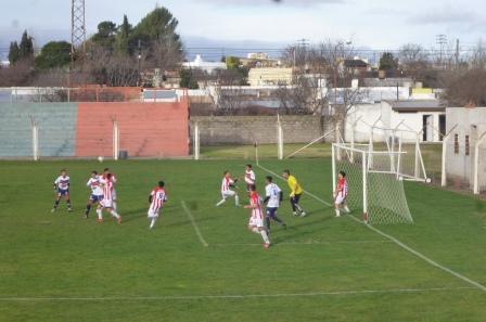 LRF - Peñarol y Sarmiento empataron con los de Carhué. Deportivo Argentino batió a San Martín de Saavedra.